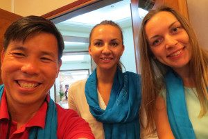 Julia ( right ) and Irene ( centre ) with me, wearing the Borderfree Blue Scarf.